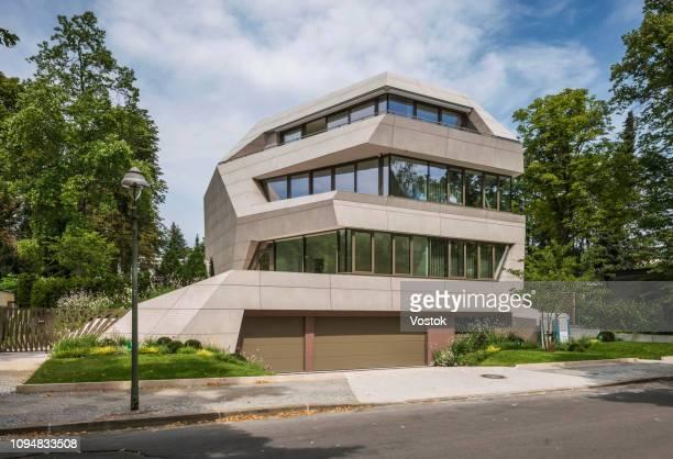 modern luxury villa in berlin - característica arquitetônica - fotografias e filmes do acervo