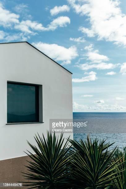 modern luxury villa - europa meridionale foto e immagini stock