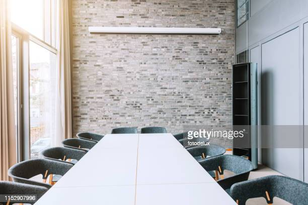 modern meeting room - building feature stock pictures, royalty-free photos & images