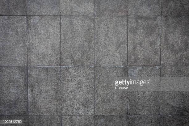 modern new wall of limestone closeup as background - sandstein stock-fotos und bilder