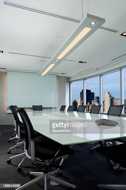 Bureau moderne salle de conseil