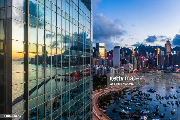 modern office building detail, glass surface - central district hong kong stock pictures, royalty-free photos & images