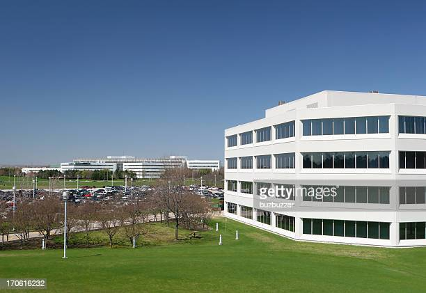 modern office building exterior - buzbuzzer stock pictures, royalty-free photos & images