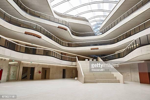 modern office building - architektur stock-fotos und bilder