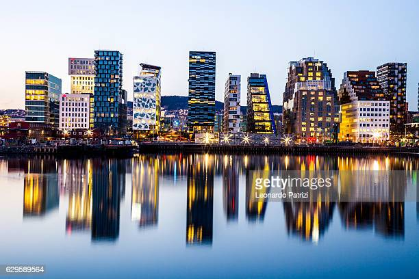 modern office buildings in oslo - skyline stock pictures, royalty-free photos & images