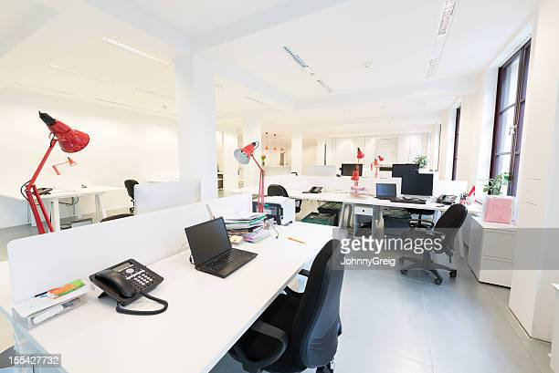 modern office interior - flexplekken stockfoto's en -beelden