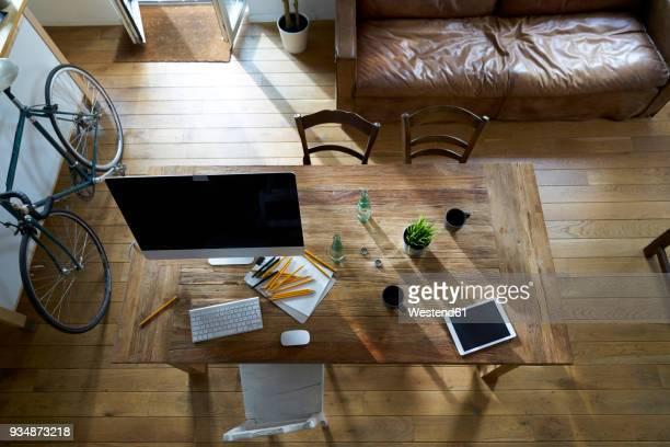 modern office interior - 机 木 ストックフォトと画像