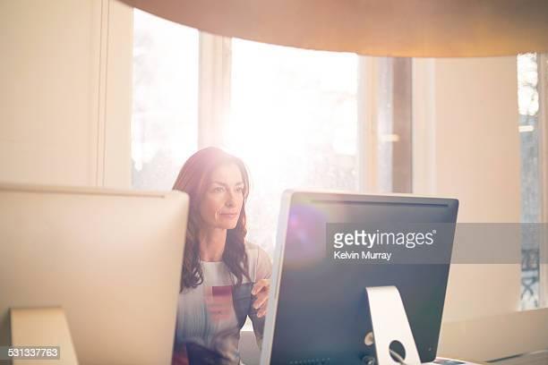 modern office shoot - imagem super exposta imagens e fotografias de stock