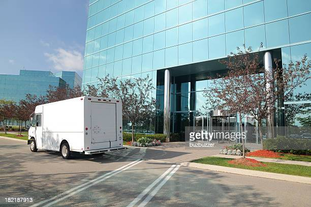 Oficina moderna de servicio de entrega