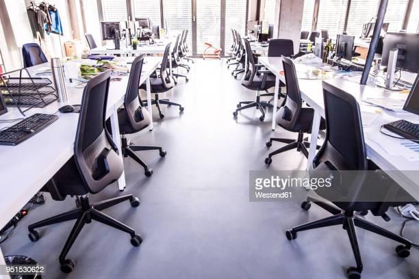 modern open-plan office - 席 ストックフォトと画像