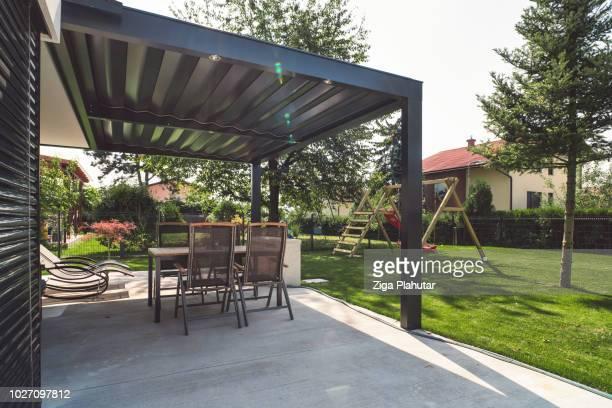patio moderne - pergola photos et images de collection