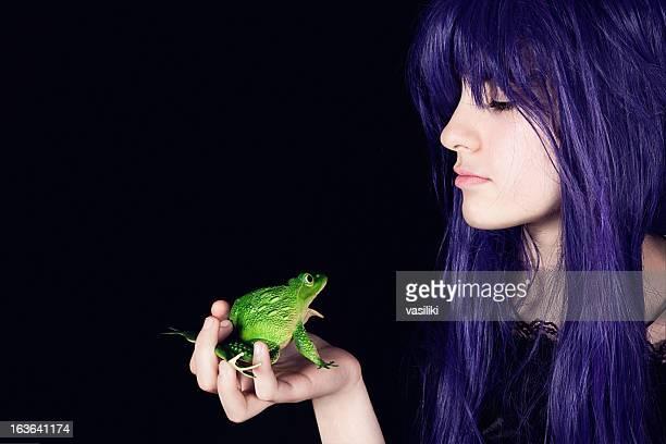 Moderne Prinzessin mit Frosch