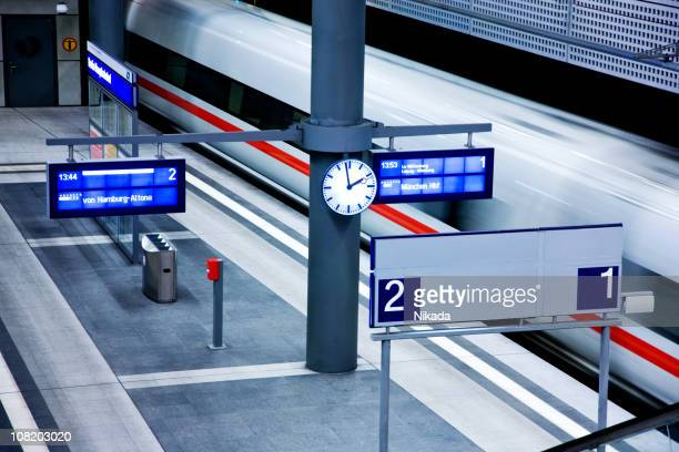 modern railwaystation - railway station stock pictures, royalty-free photos & images