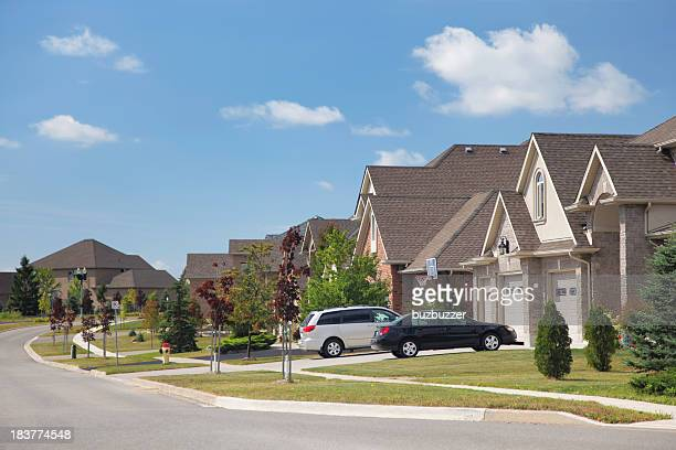 modern residential urban sprawl - canadian culture stock pictures, royalty-free photos & images