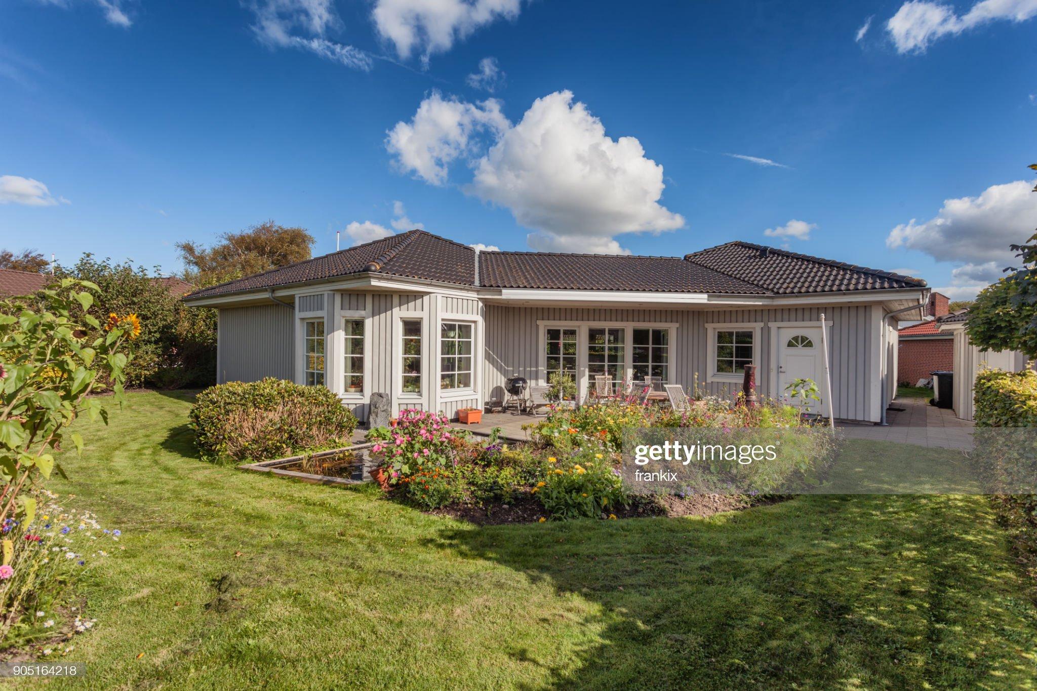 Modernt skandinaviskt hus