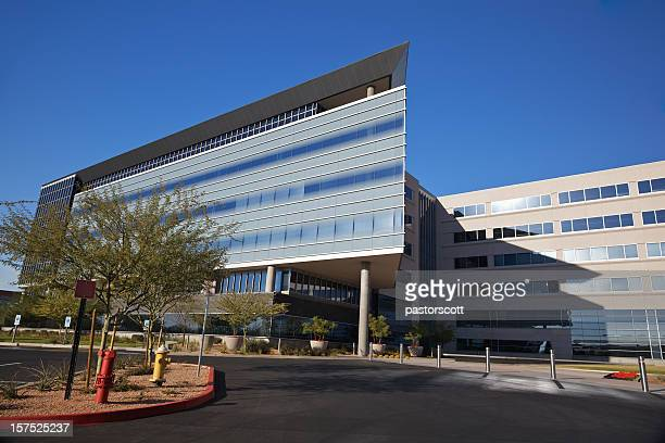 modern scottsdale medical business building - medical building stock pictures, royalty-free photos & images