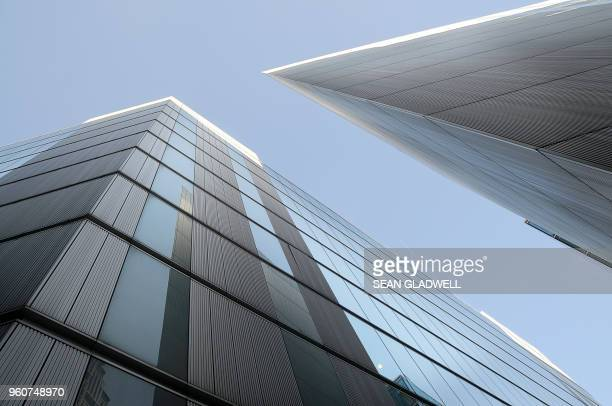 modern skyscrapers - western europe stock pictures, royalty-free photos & images