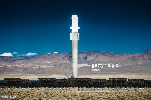 modern solar thermal power station alternative energy - solar mirror stock pictures, royalty-free photos & images