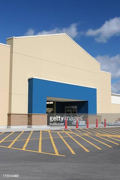 entrada do edifício moderno e loja - fachada supermercado imagens e fotografias de stock