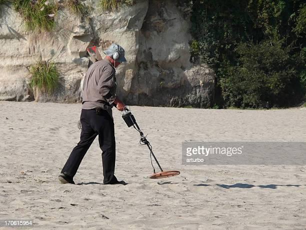 modern treasure hunter