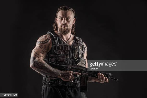 modern urban warfare military soldier in studio shoot - army soldier stock pictures, royalty-free photos & images