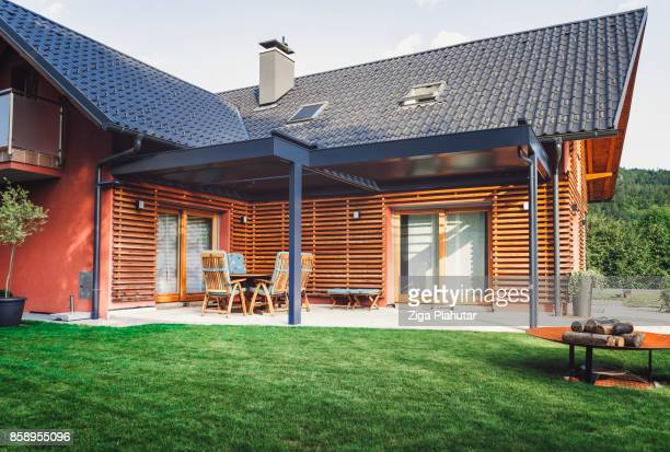 modern villa - patio doors stock pictures, royalty-free photos & images