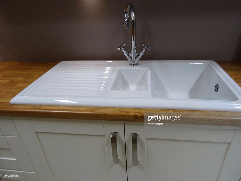 Modernen Weißen Keramikwaschbecken Mit Küchedrainer Entschlackende ...