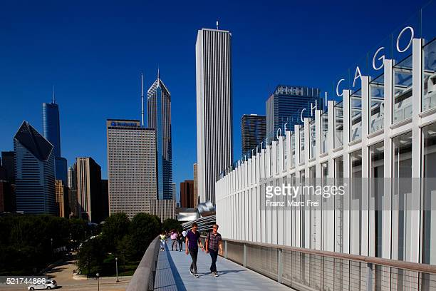 modern wing of the art institute of chicago, designed by renzo piano - art institute of chicago stock pictures, royalty-free photos & images