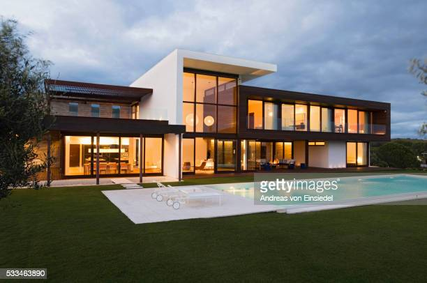 modernist new build - house exterior stock pictures, royalty-free photos & images