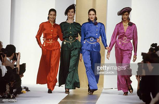 Modesl walk the runway during the Chanel show ReadyToWear Fall/Winter 1988/1989 in Paris France on March 21 1988