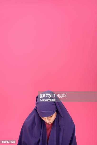 modest woman in hijab - cliqueimages stock pictures, royalty-free photos & images