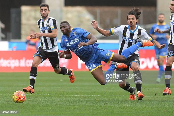 Modibo Diakite of Frosinone Calcio is tackled to Felipe Dal Bello of Udinese Calcio during the Serie A match between Udinese Calcio and Frosinone...