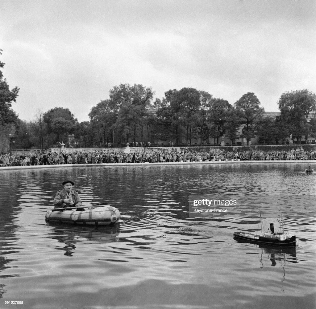 Modèle De Bassin De Jardin destiné jardin des tuileries pictures | getty images