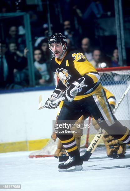 Moe Mantha of the Pittsburgh Penguins skates on the ice during an NHL game against the New York Islanders on March 26 1987 at the Nassau Coliseum in...
