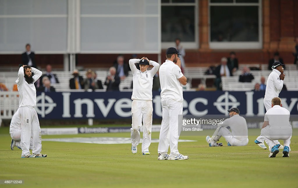 Moeen Ali, Joe Root, Liam Plunkett, Matt Prior, Chris Jordan and Stuart Broad of England look on dejected after failing to take the final wicket during day five of 1st Investec Test match between England and Sri Lanka at Lord's Cricket Ground on June 16, 2014 in London, England.