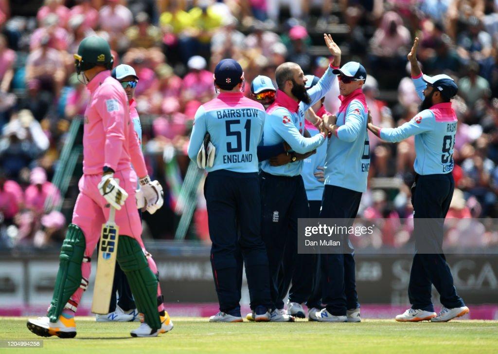 South Africa v England - Third ODI : News Photo