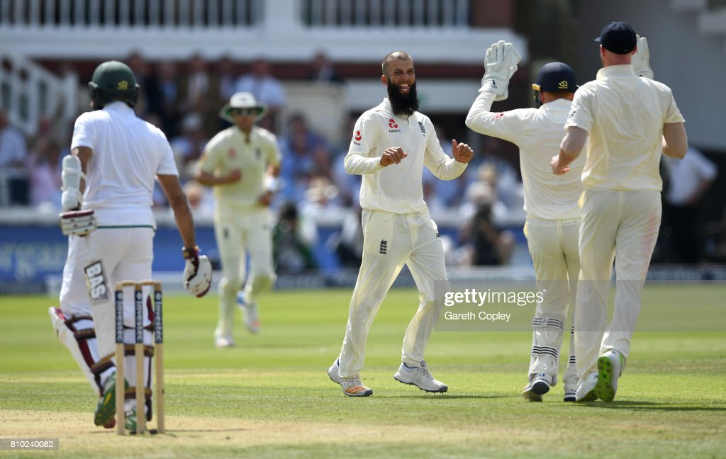 England v South Africa - 1st Investec Test: Day Two : News Photo