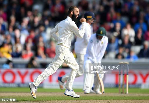Moeen Ali of England celebrates dismissing Quinton de Kock of South Africa during day four of the 4th Investec Test match between England and South...