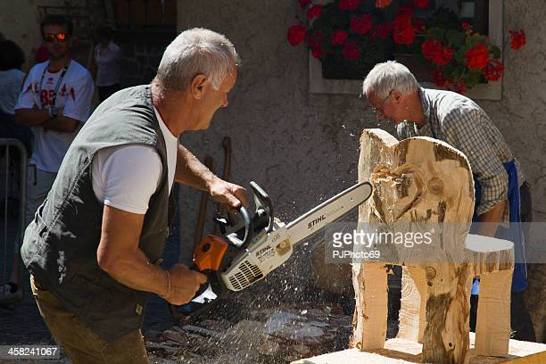 moena (dolomites) - carpenter builds a chair - pjphoto69 個照片及圖片檔
