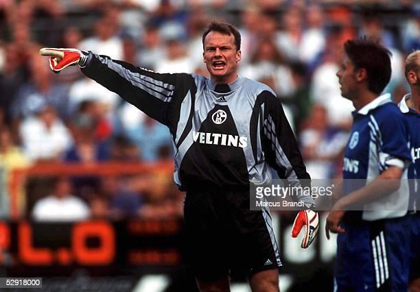 1 BUNDESLIGA 98/99 Moenchengladbach BORUSSIA MOENCHENGLADBACH FC SCHALKE 04 30 TORWART Frode GRODAS/SCHALKE