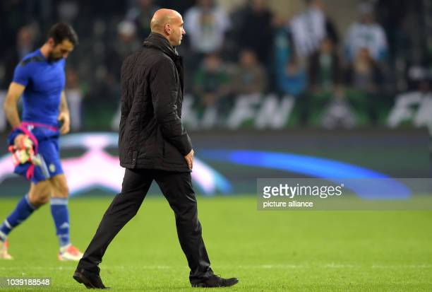 Moenchengladbach's coach André Schubert reacts during the Champions League group D soccer match Borussia Moenchengladbach vs Juventus Turin in...