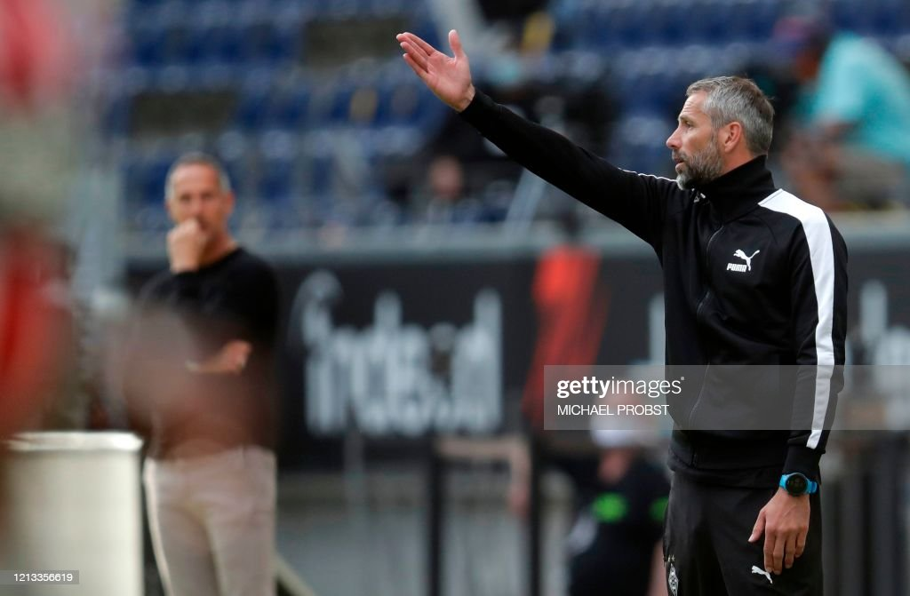 FBL-GER-BUNDESLIGA-FRANKFURT-MOENCHENGLADBACH : News Photo