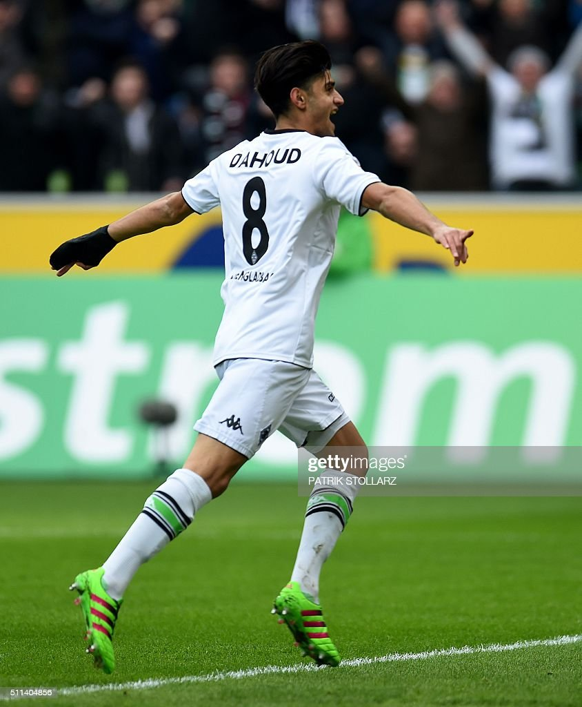 Moenchengladbach's midfielder Mahmoud Dahoud celebrates during the German first division Bundesliga football match Borussia Moenchengladbach vs 1. FC Cologne in Moenchengladbach , western Germany, on February 20, 2016. / AFP / PATRIK