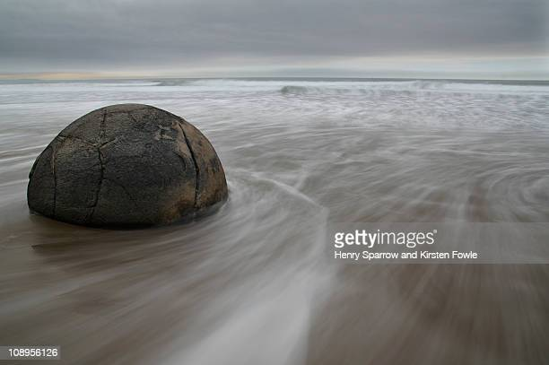 moeraki boulder - stability stock pictures, royalty-free photos & images
