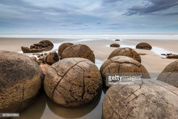 Moeraki Boulders on the beach, round boulders, Moeraki, Otago, Southland, New Zealand