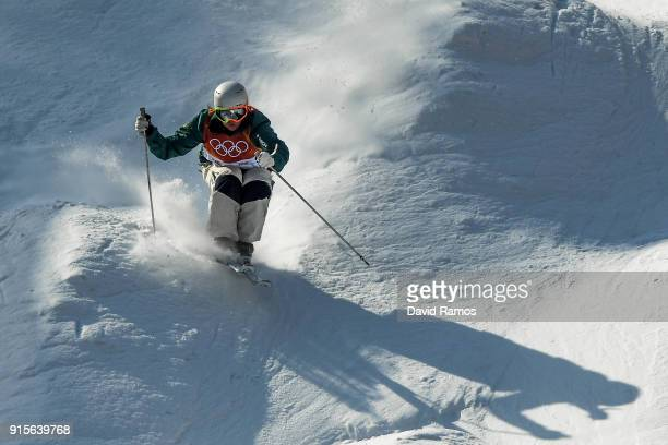 Moguls skier Brittney Cox of Australia in action during training session ahead of the PyeongChang 2018 Winter Olympic Games at Bokwang Phoenix Snow...