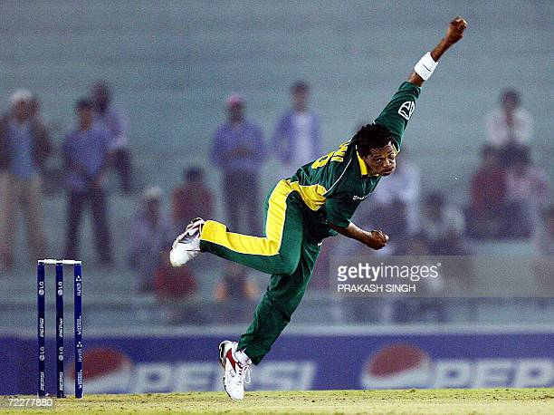 South Africa cricketer Makhaya Ntini bowls during the ICC Champions Trophy 2006 match between Pakistan and South Africa at Punjab Cricket Association...