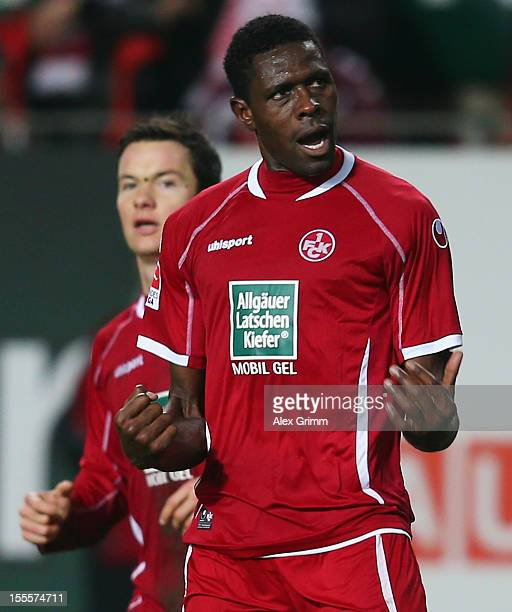 Mohamadou Idrissou of Kaiserslautern celebrates his team's fourth goal with team mates Alexander Baumjohann during the Second Bundesliga match...