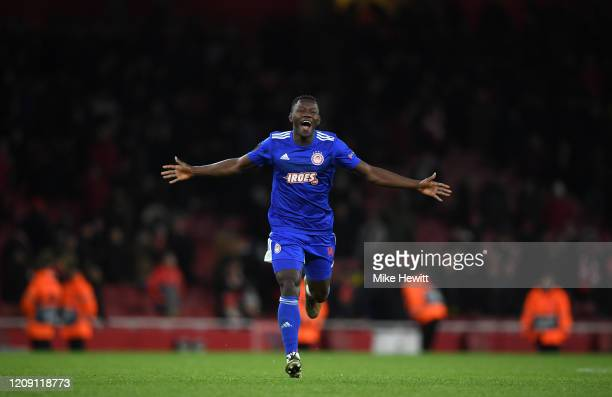 Mohamed Camara of Olympiacos FC celebrates victory after the UEFA Europa League round of 32 second leg match between Arsenal FC and Olympiacos FC at...