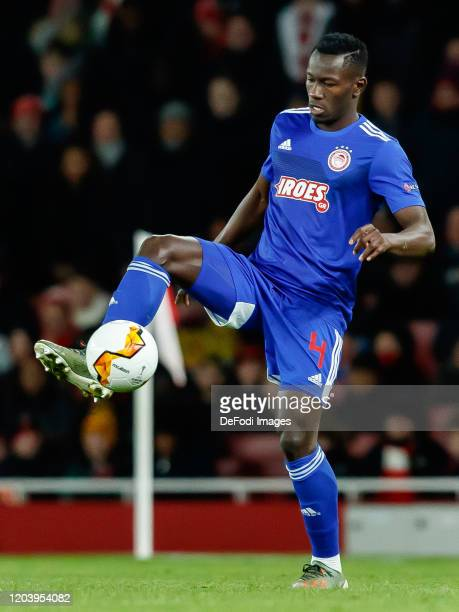Mohamed Camara of Olympiacos FC controls the ball during the UEFA Europa League round of 32 second leg match between Arsenal FC and Olympiacos FC at...